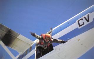 Chuteur opérationnel en saut d'entrainement