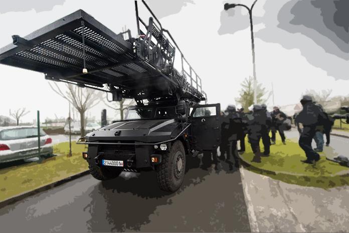 GIGN: Le véhicule d'assaut de type SHERPA Light APC (2014)